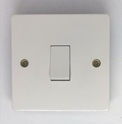 Crabtree 4015 1 Gang 20A DP Switch with Flex Outlet